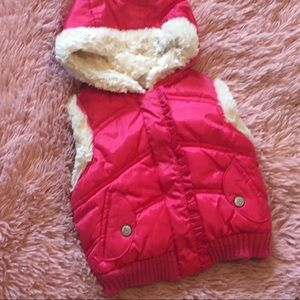 Girls 12-18mo Old Navy Faux Fur Trim Hooded Vest